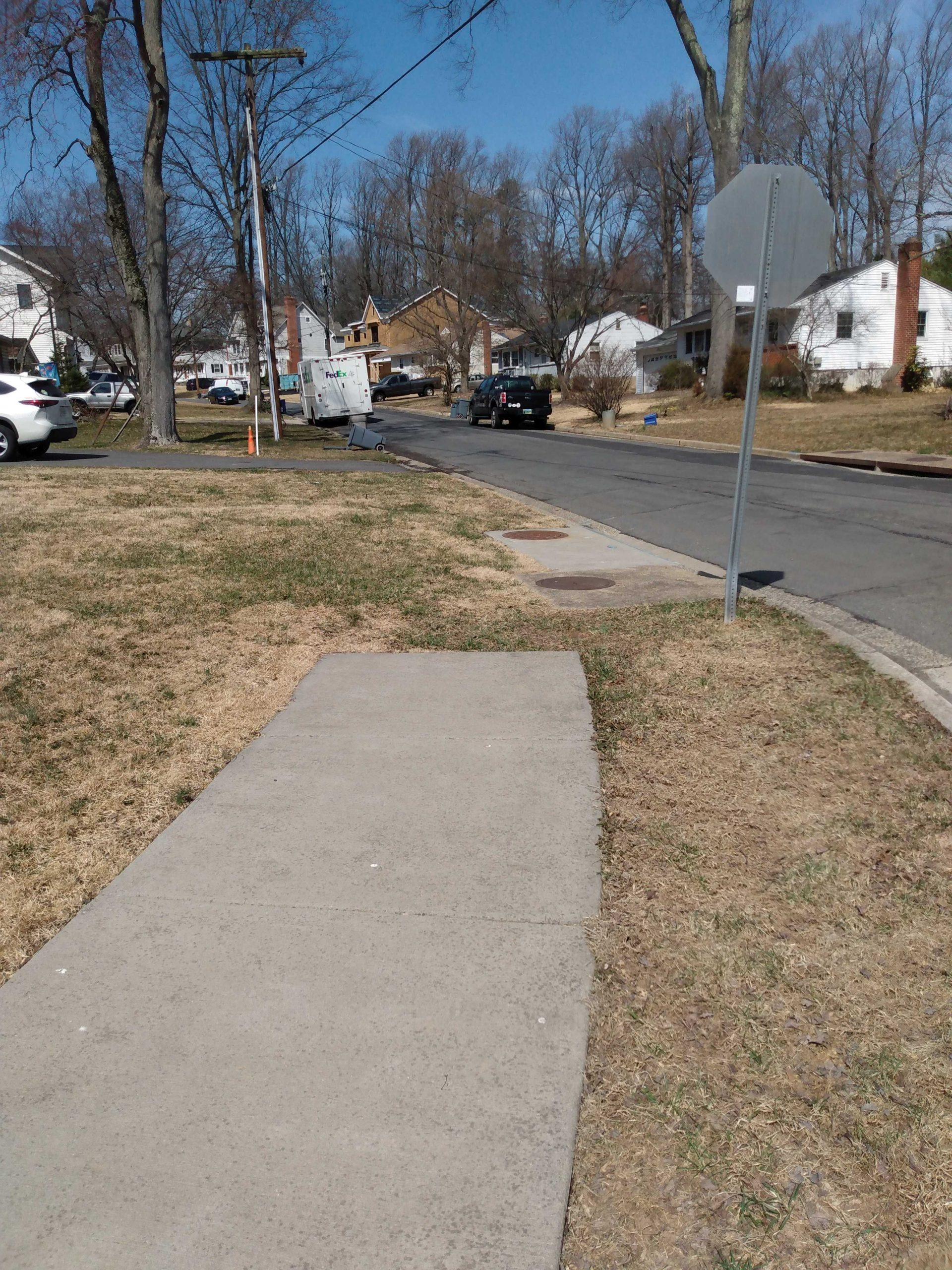Post #1056:  Town of Vienna, am I having a senior moment, or where's the sidewalk?